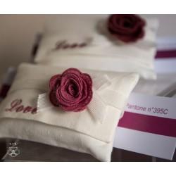 Busta grande Lino con rosa in macramè