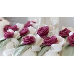 Puffo grande Lino con rosa in macramè